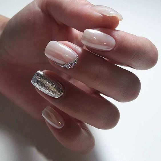 Naturalne srebrne paznokcie