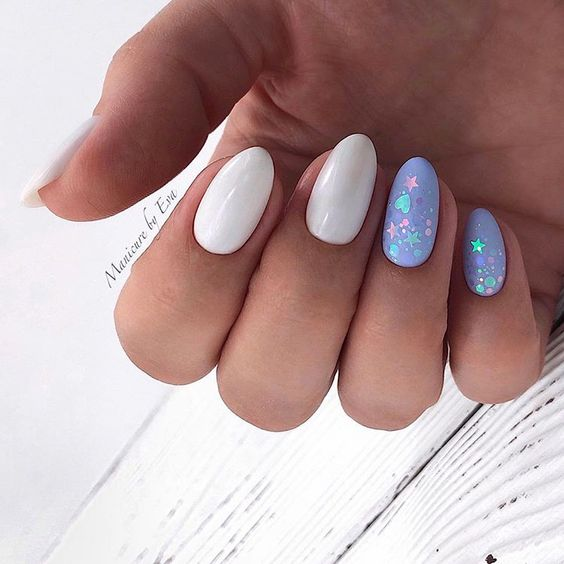 Delikatny manicure na wiosnę