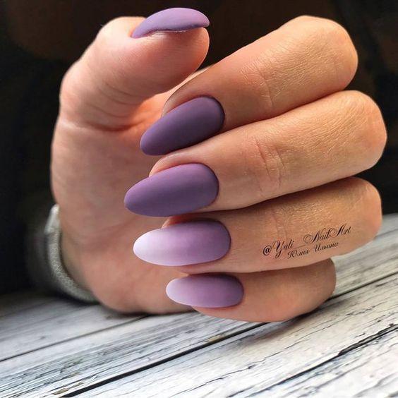 Fioletowe paznokcie z ombre