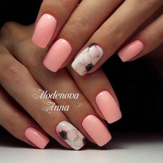 Jasnoczerwony manicure na wiosnę