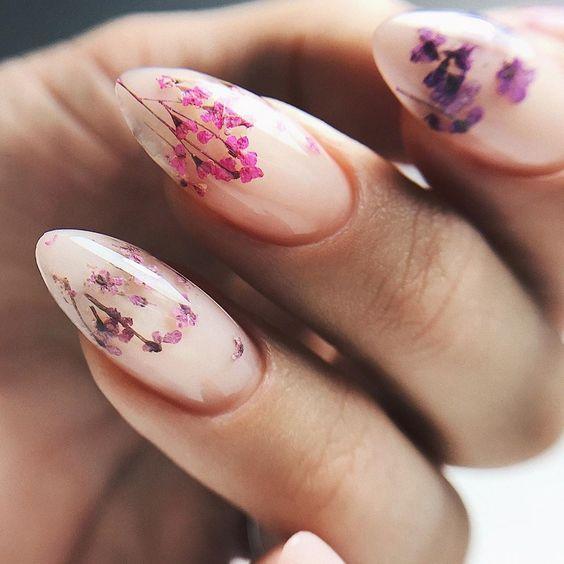 Naturalne paznokcie na wiosnę