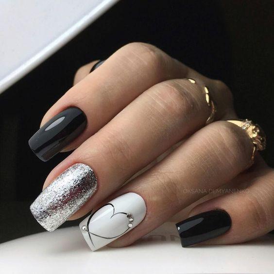 Czarno białe paznokcie z wzorkami