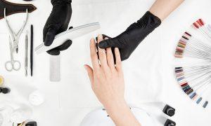 Czy lakiery hybrydowe są szkodliwe?