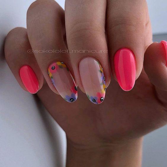 Malinowe paznokcie na wiosnę