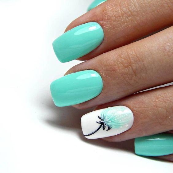 Miętowe paznokcie na wiosnę