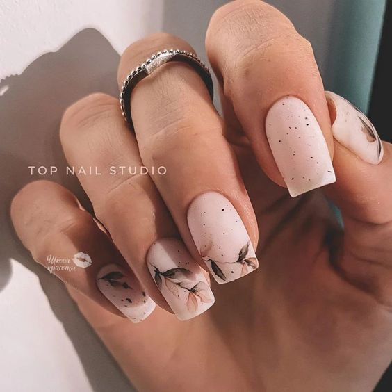 Długie paznokcie kwadratowe